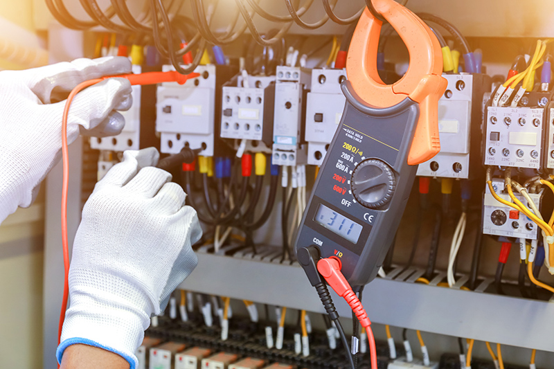 How To Become An Electrician in Eastbourne East Sussex